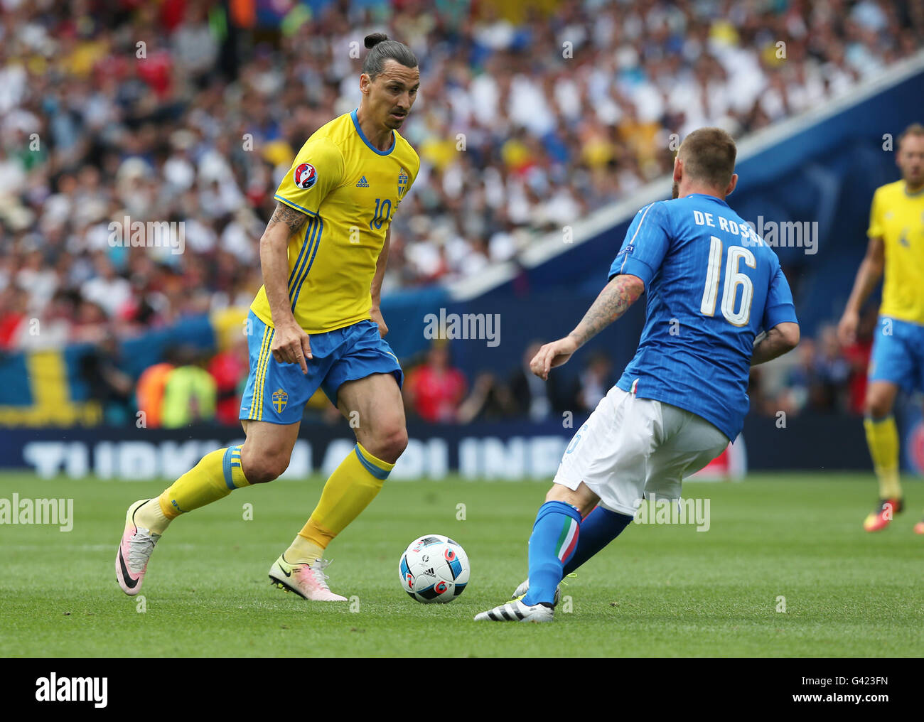 Toulouse France 17th June 2016 Italy s Daniele De Rossi R