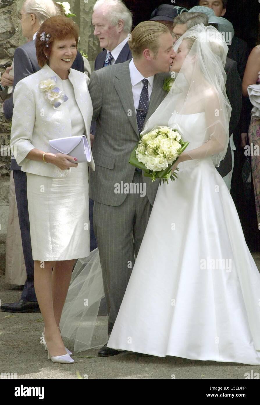 Cilla black wedding dresses