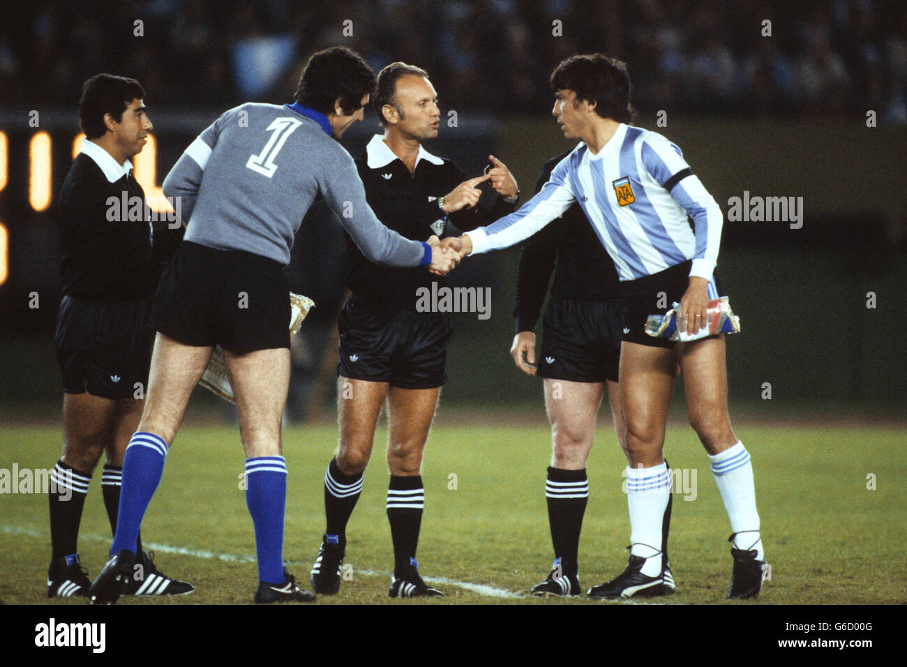 Soccer - FIFA World Cup Argentina 1978 - Group 1 - Italy v ...