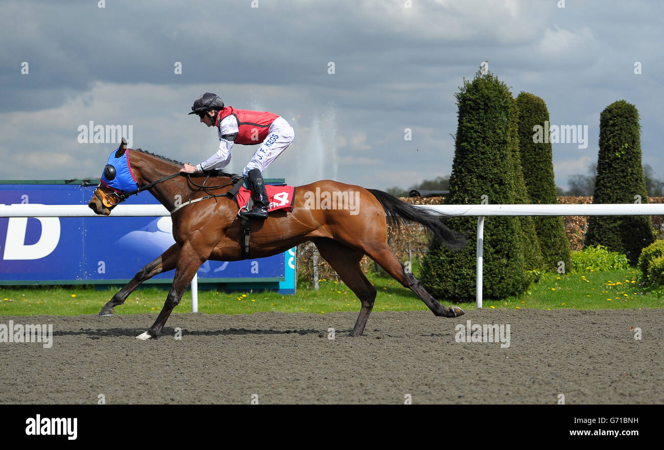 Horse racing easter family fun day kempton park racecourse horse racing easter family fun day kempton park racecourse negle Image collections