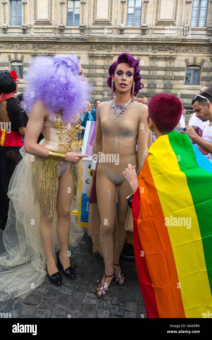 Transvestites paris france