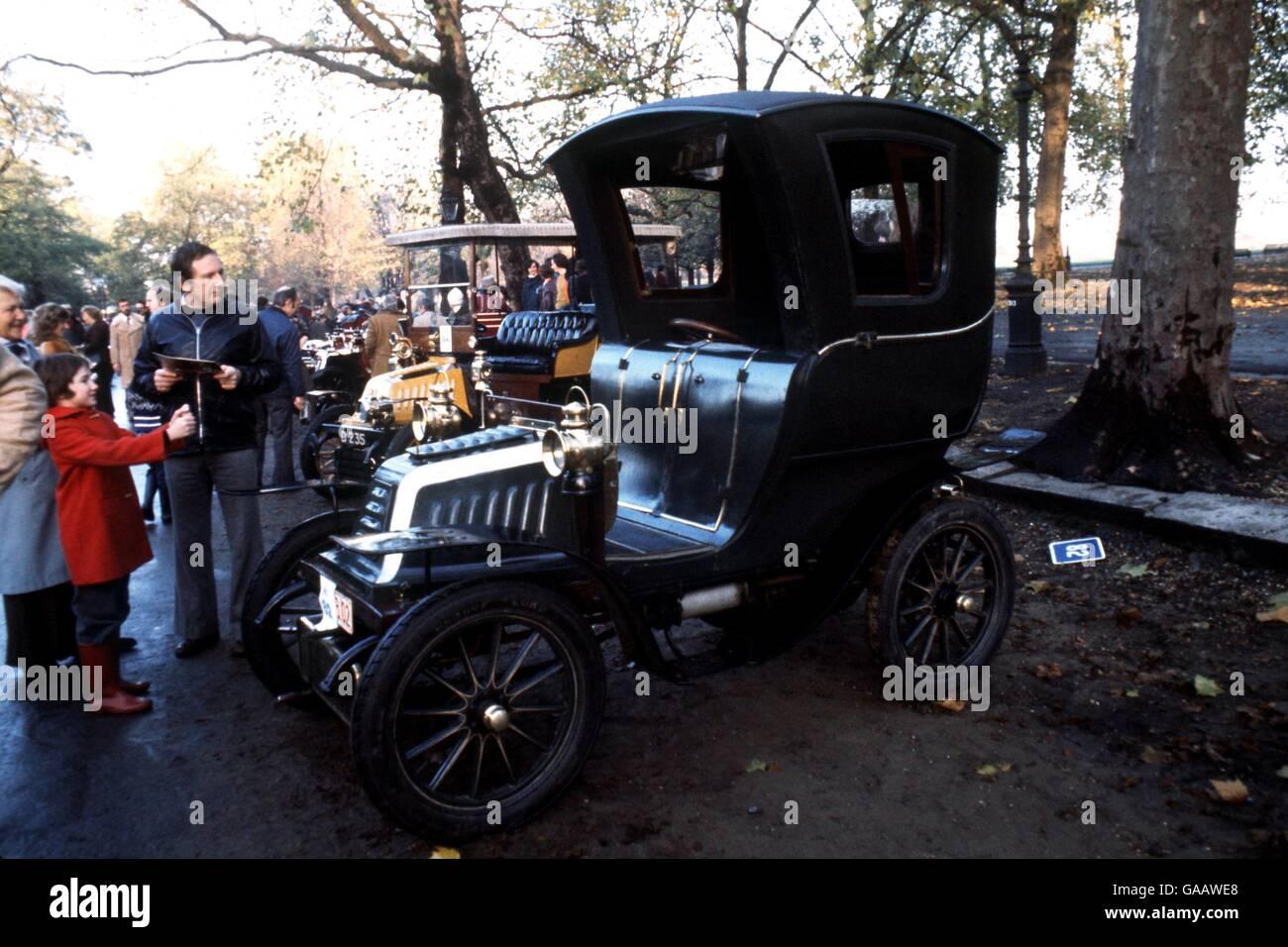 Rallying - VCC London to Brighton Veteran Car Rally Stock Photo ...
