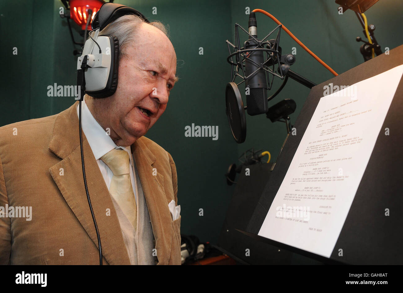 Peter Sallis 87th Birthday During Recording Of Wallace And