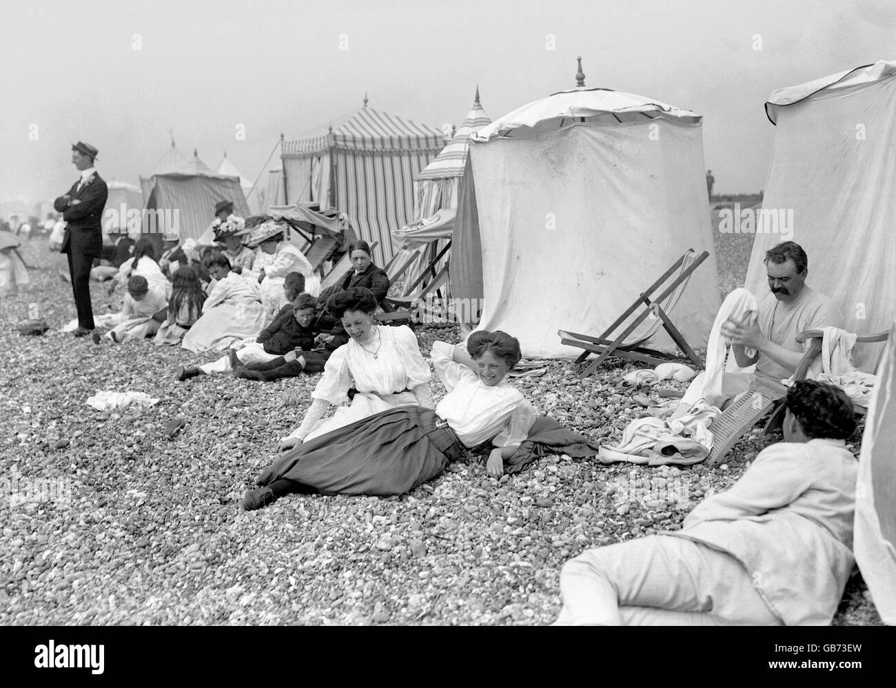 British Holidays - The Seaside - Tent Dwellers - Hove - 1914 & British Holidays - The Seaside - Tent Dwellers - Hove - 1914 Stock ...