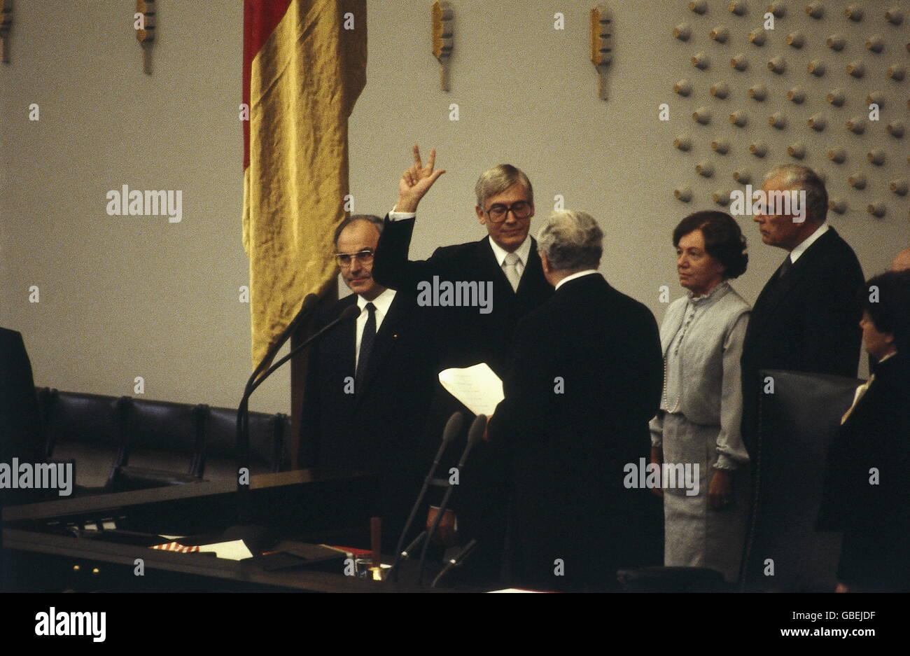 Geography / Travel, Germany, Politics, German Bundestag, Swearing In Of The  14th Cabinet, Christian Schwarz Schilling, Bonn, 4.10.1982
