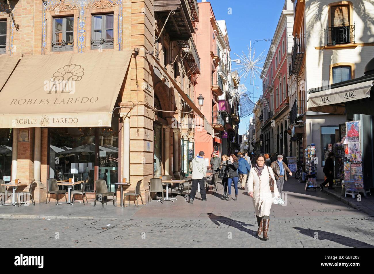 Calle de las sierpes shopping street pedestrian zone - Calle correduria sevilla ...