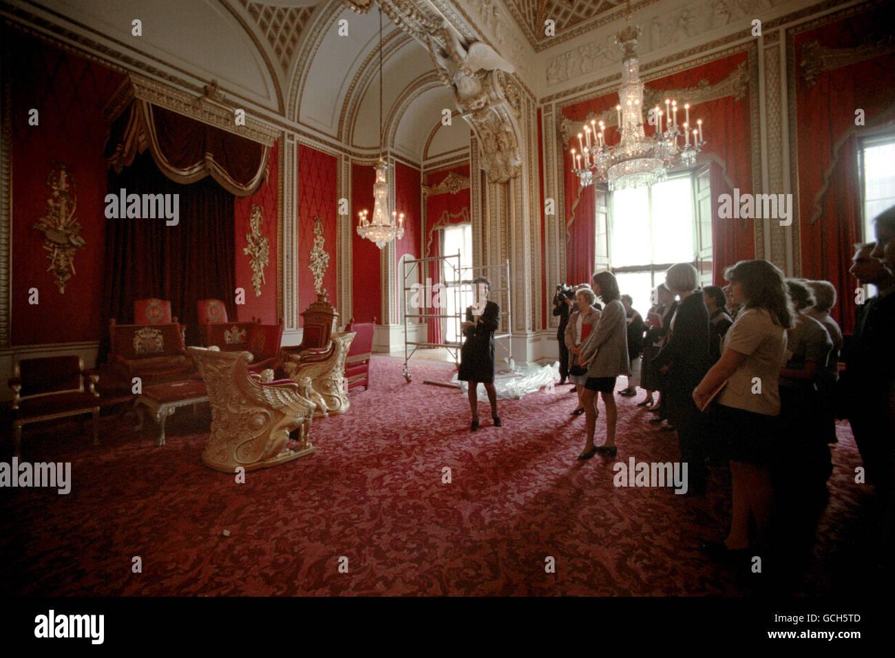 Throne room buckingham palace - Stock Photo Throne Room Buckingham Palace