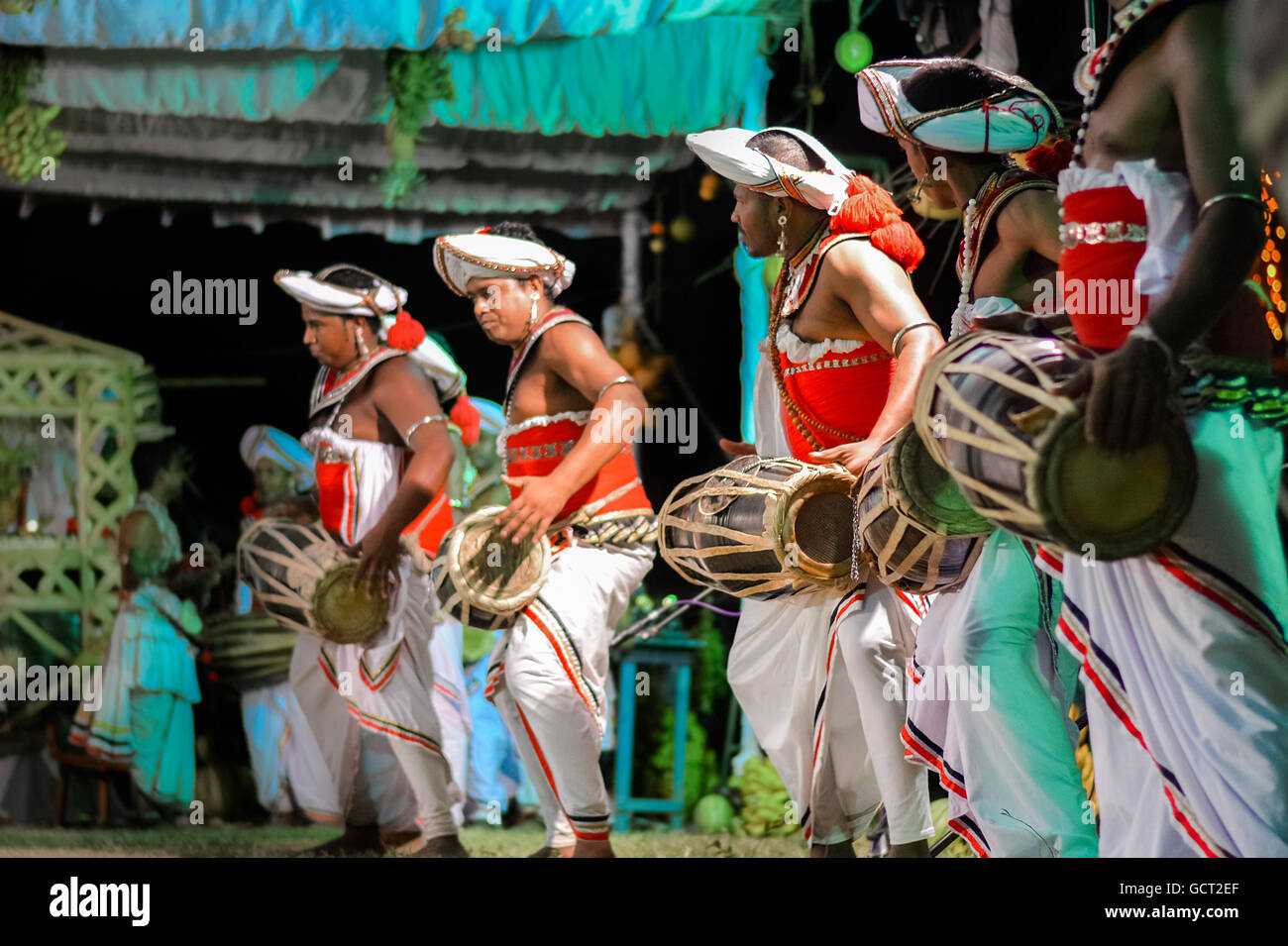 traditional dancing in sri lanka Kandyan dancing and drumming is sri lanka's iconic performing art, and you're unlikely to spend long in the city without seeing a troupe of performers.