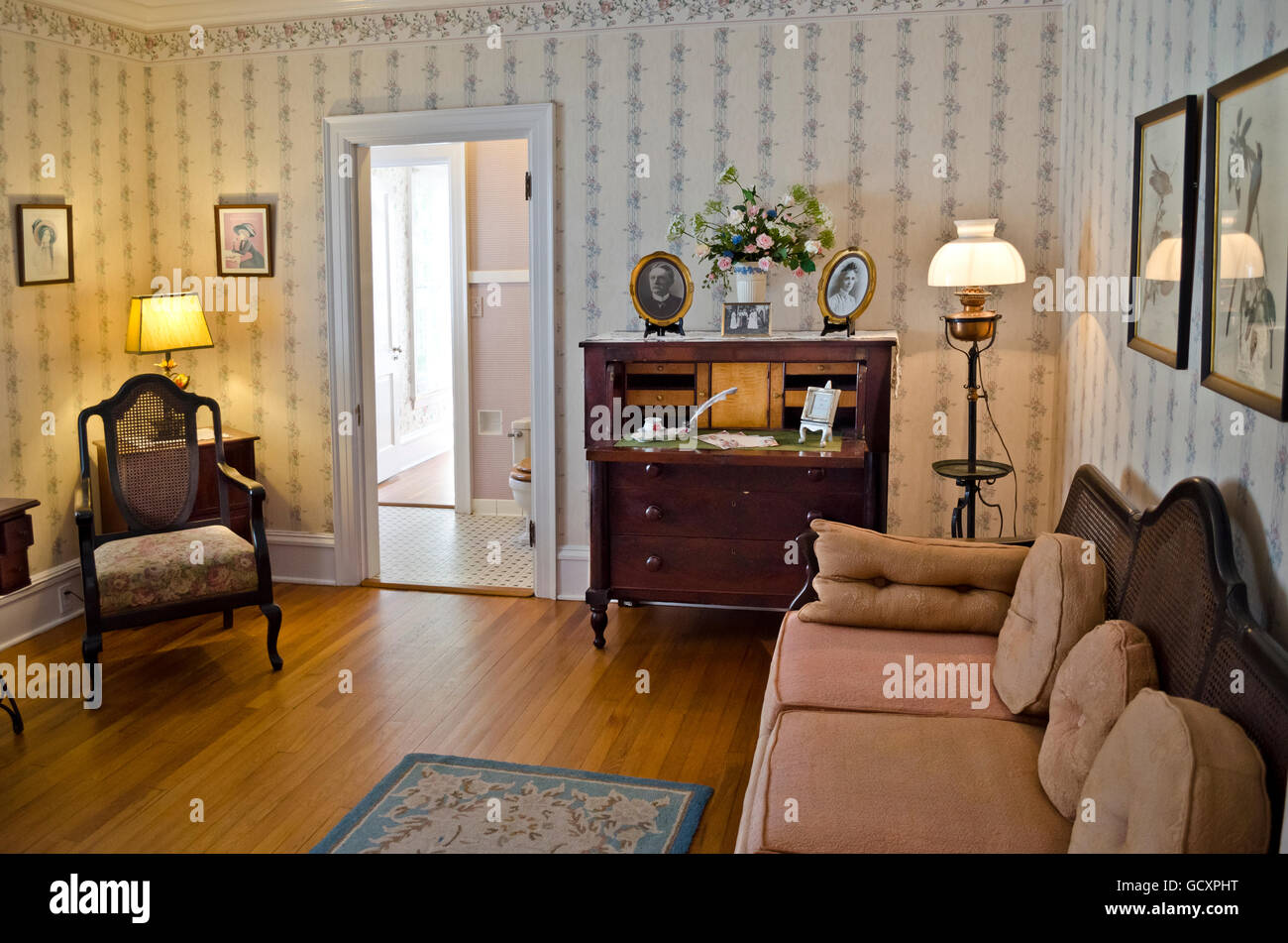 sitting room in the leu house museum at the harry p leu gardens in