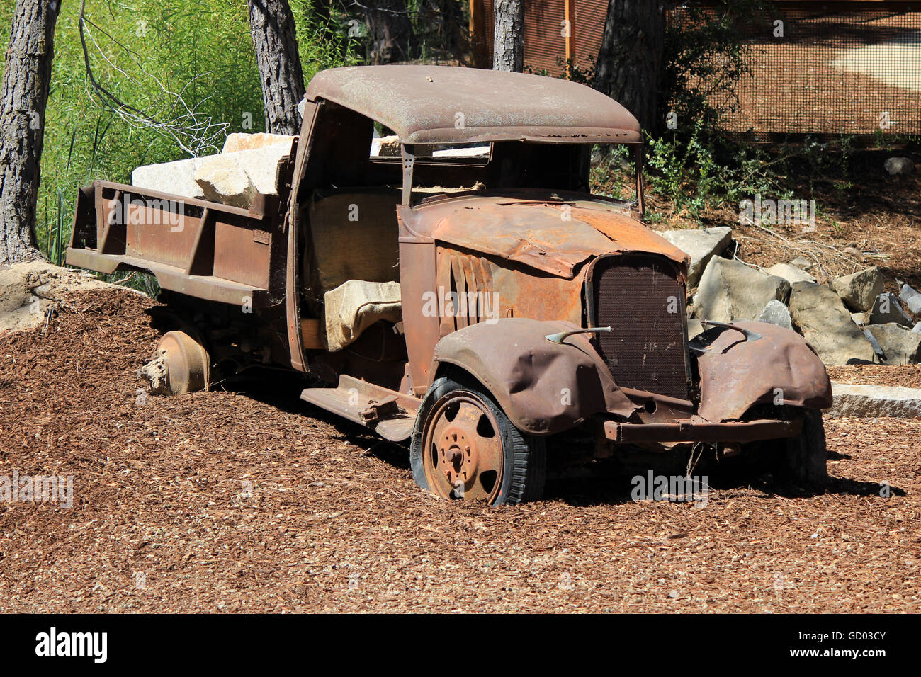 Old Rusted Truck Stock Photo: 111255451 - Alamy