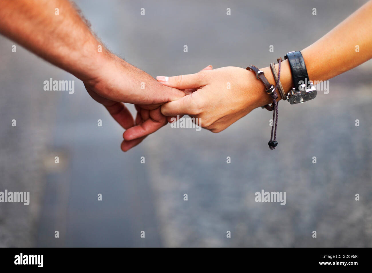 Romantic Pictures Of Lovers Holding Hands