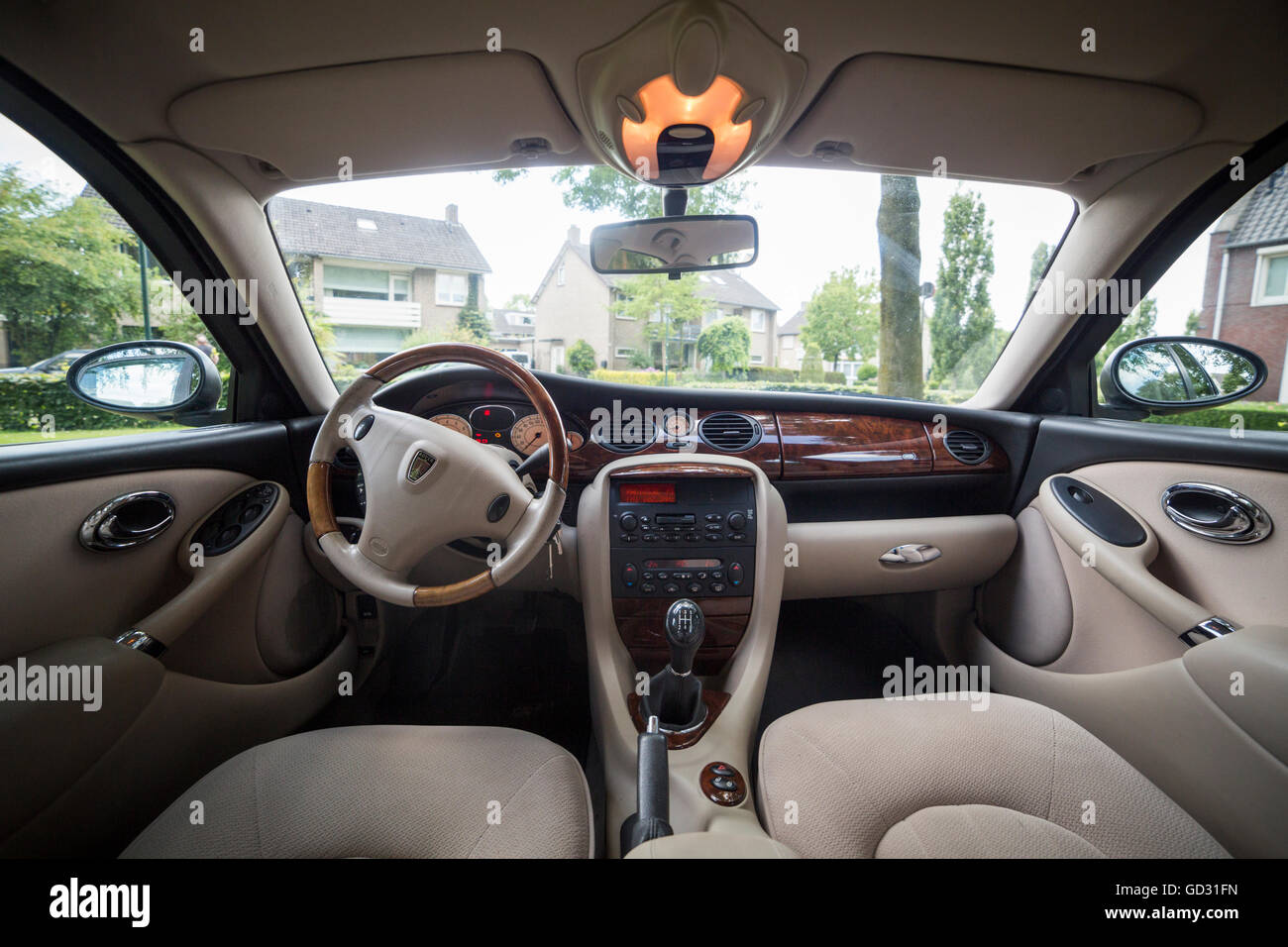 rover 75 car interior color green with a walnut dashboard stock photo royalty free image. Black Bedroom Furniture Sets. Home Design Ideas