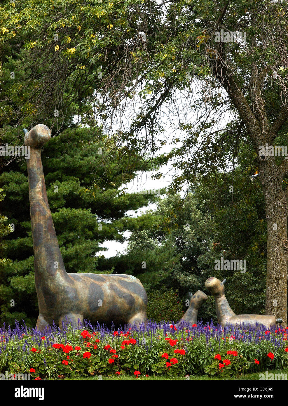 Molded / Sculpted Giraffe Display At Des Moines Botanic Garden, Iowa