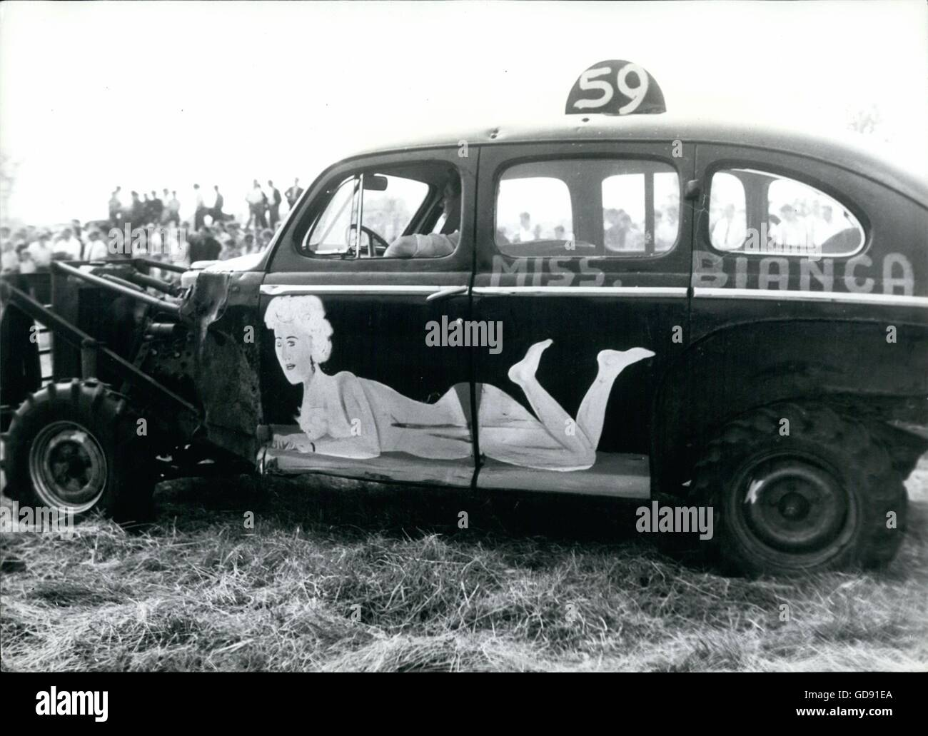 1959 - miss bianca art on car tax derby crash © Keystone Pictures ...