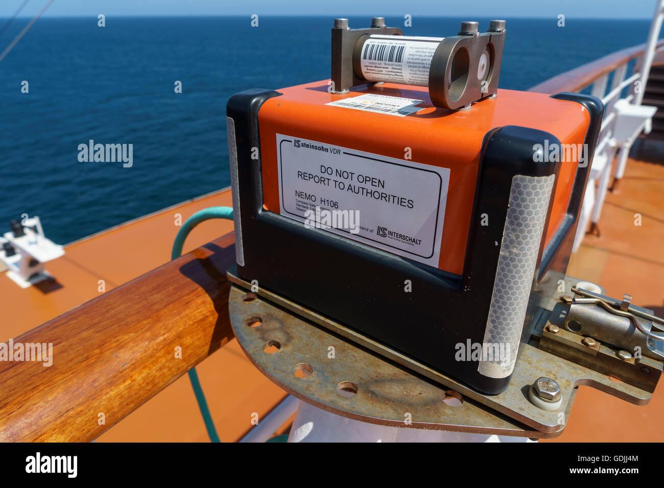 Voyage Data Recorder : Ship s voyage data recorder vdr interschalt nemo h