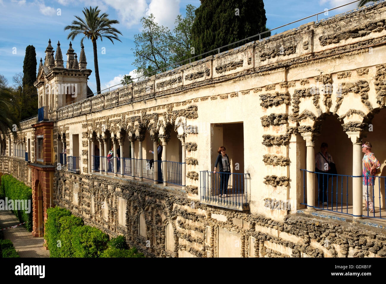 galeria del grutesco in the jardin del estanque of the real alcazar seville spain