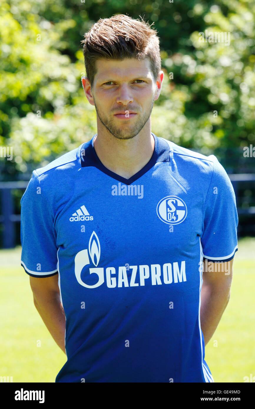 football Bundesliga 2016 2017 FC Schalke 04 team presentation