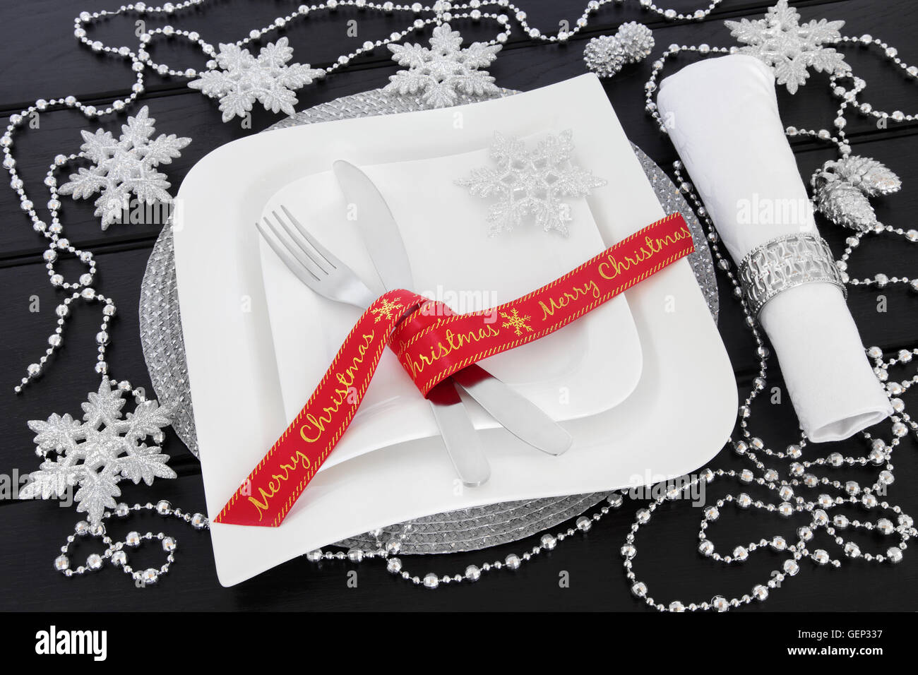 Modern Christmas Table Setting With Square Porcelain