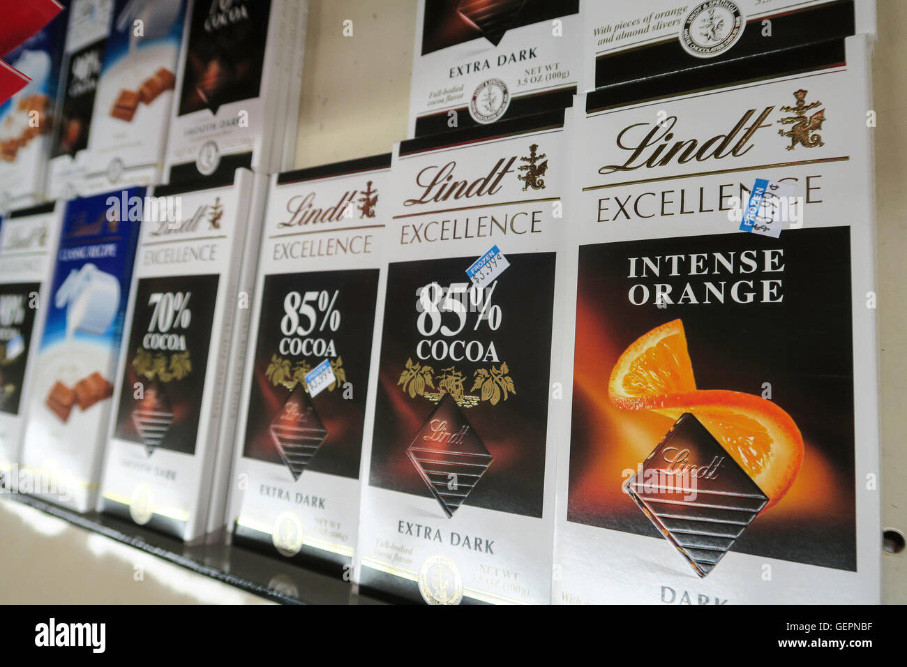 Lindt Chocolate Store Stock Photos & Lindt Chocolate Store Stock ...