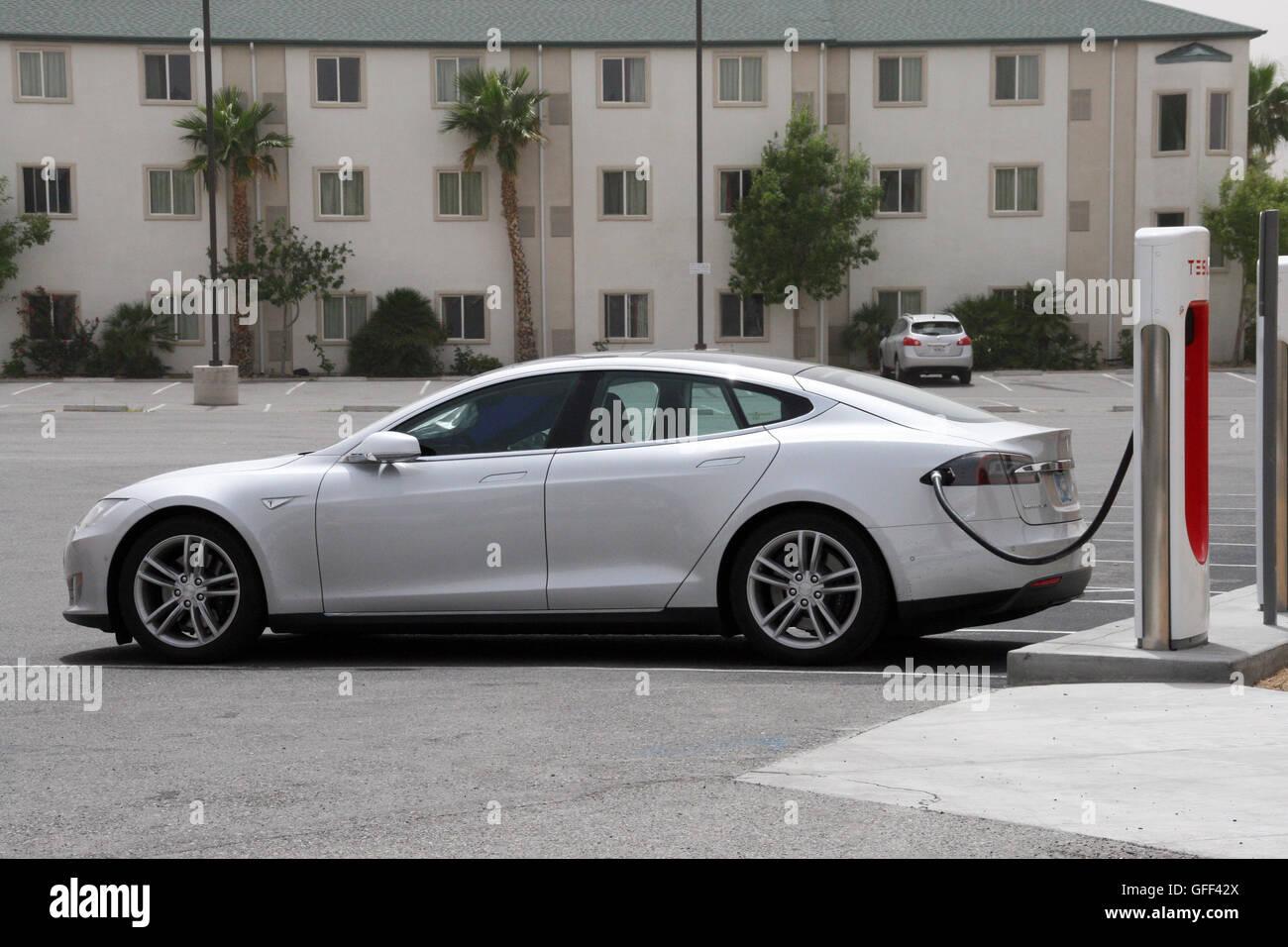 Tesla Car Stock Photos Tesla Car Stock Images Alamy # Tefla Muebles Sl