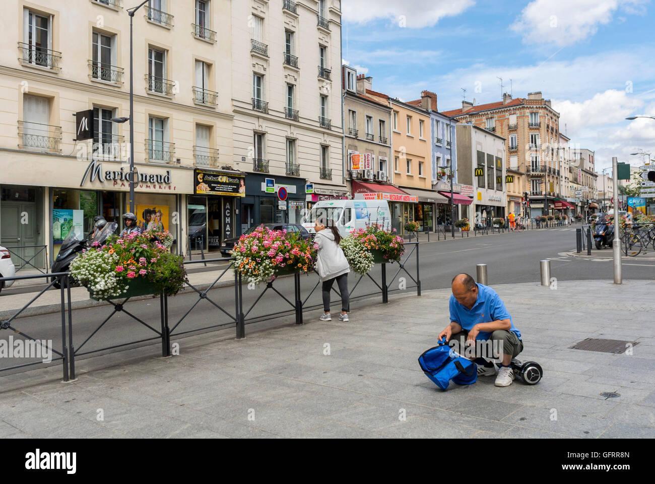 Les lilas france suburbs street scenes porte des - Clinique les maussins porte des lilas ...