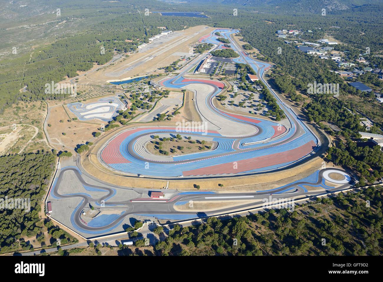 le castellet race track aka paul ricard race track aerial view le stock photo 113016318 alamy. Black Bedroom Furniture Sets. Home Design Ideas