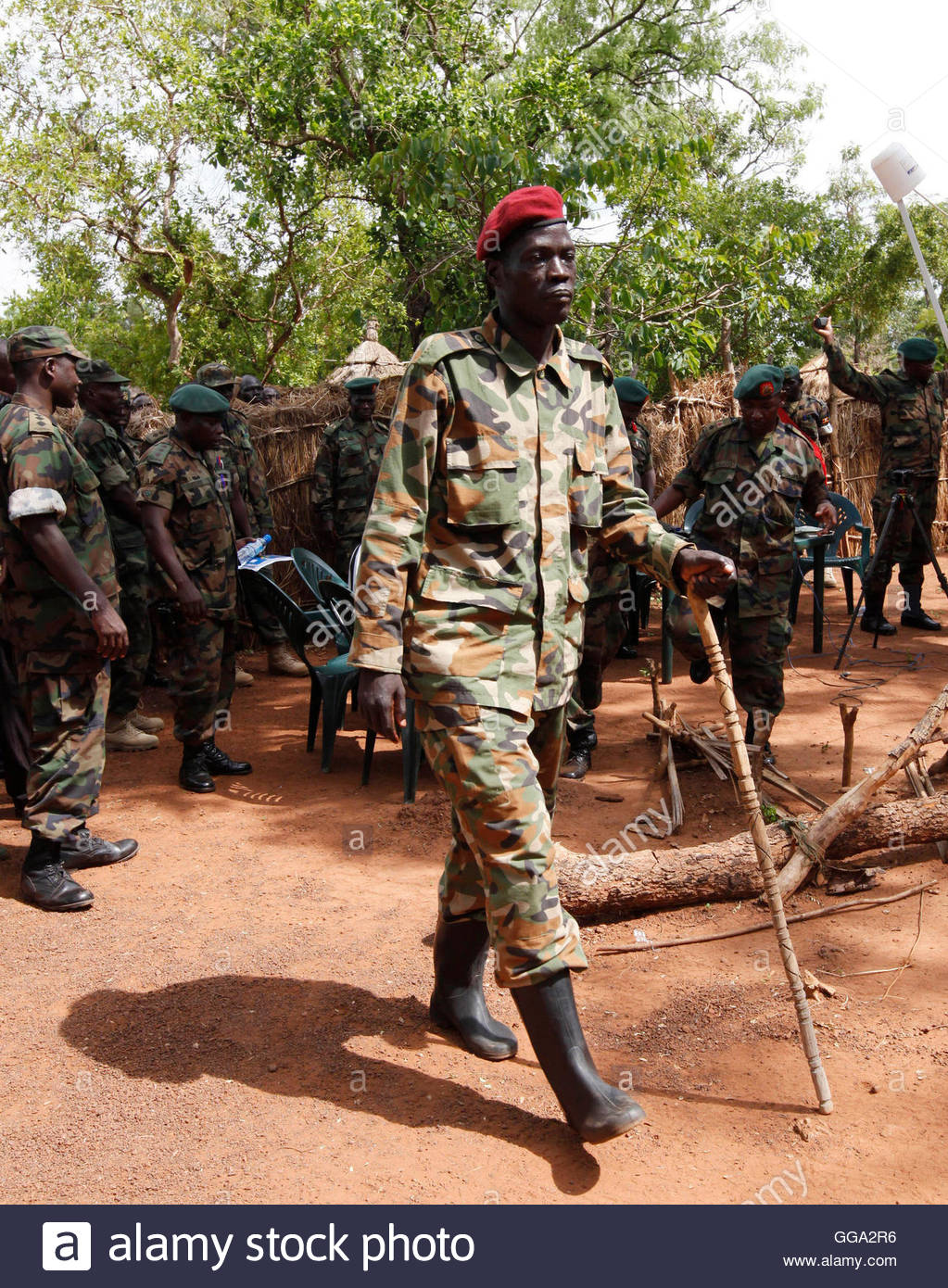 lord s resistance army and ugandan army Introduction since 1987, the lord's resistance army (lra), a violent rebel group headed by joseph kony, has been terrorizing the population of northern uganda and the neighboring countries of the democratic republic of the congo (drc), central african republic (car), and southern sudan.