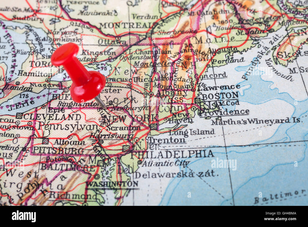 Red Push Pin Showing The Location Of A Destination Point On A Map - New york map location