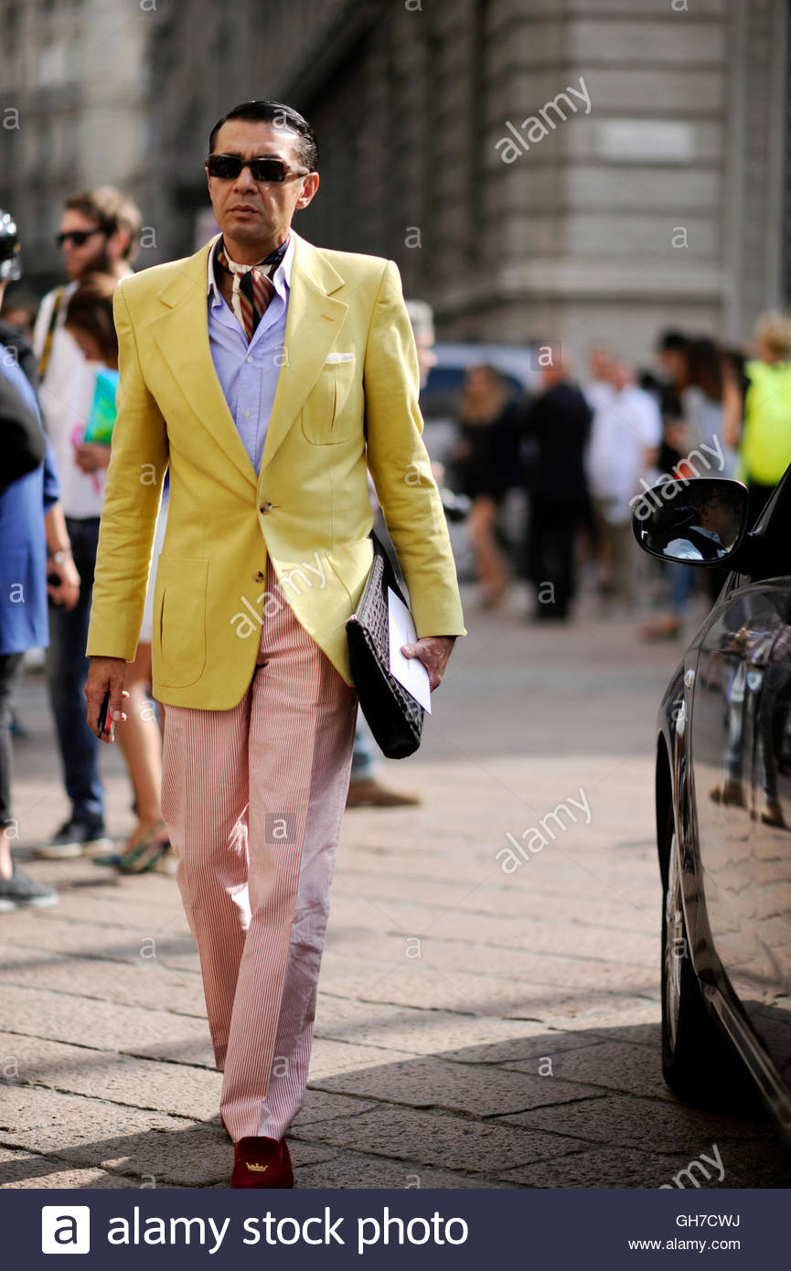 Italian mens style during Milan Fashion Week Stock Photo ...