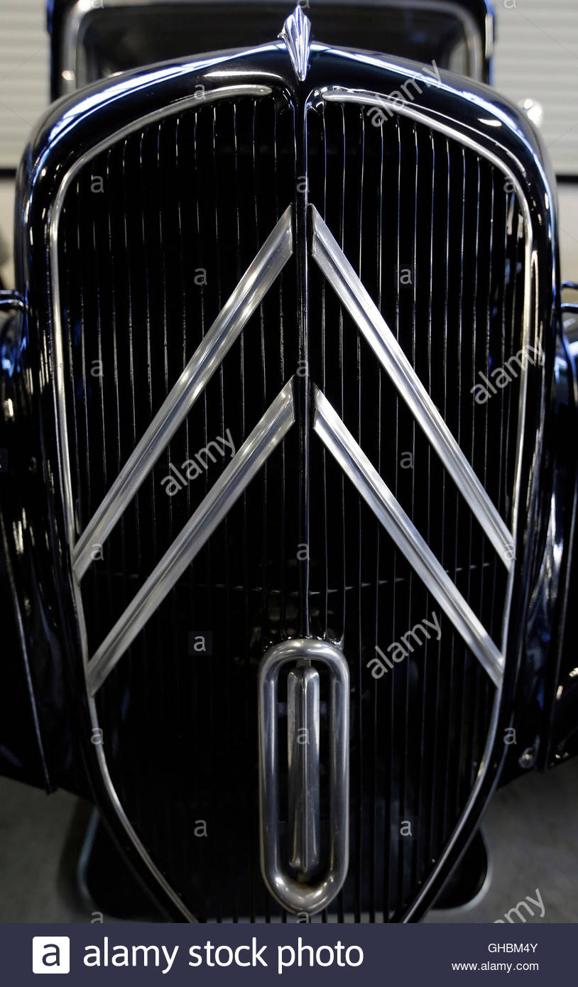 Design of a car radiator - The Citroen Double Chevron Is Seen On The Radiator Grill Of A Citroen Traction Avant Car