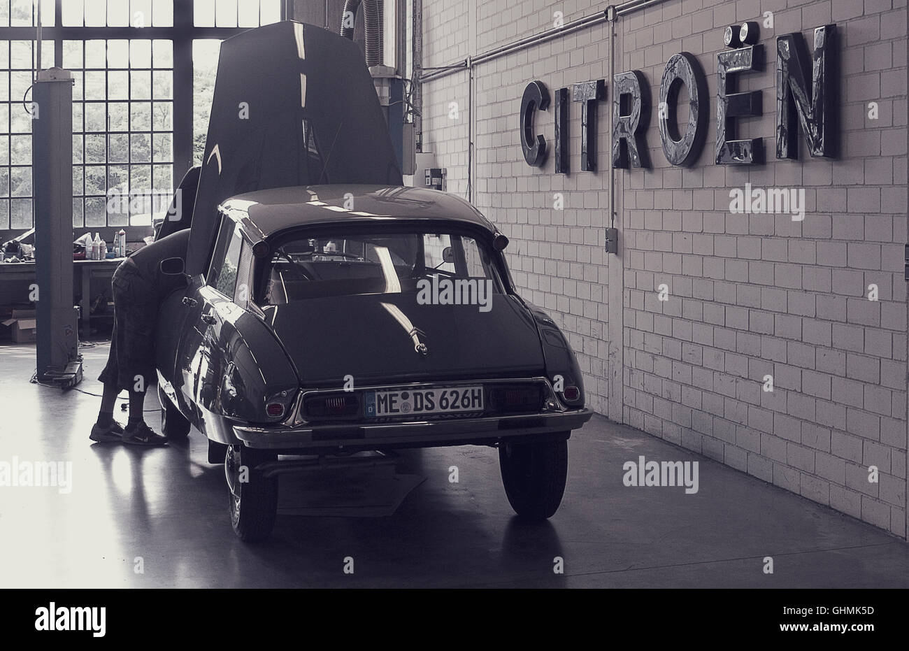 The Classic Remise Classic Car Storage And Sales Centre In - Classic car lots near me