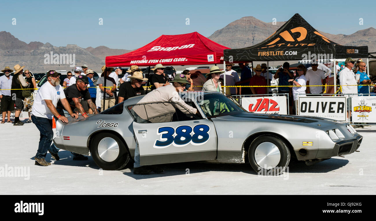 Wendover Utah Usa Aug A Race Car Is Pushed Towards