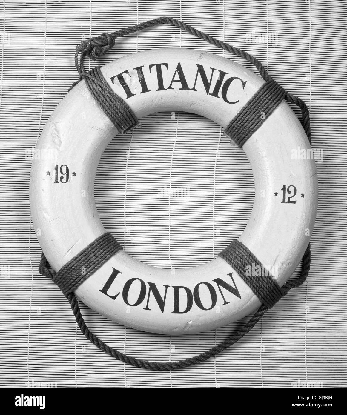 Titanic date