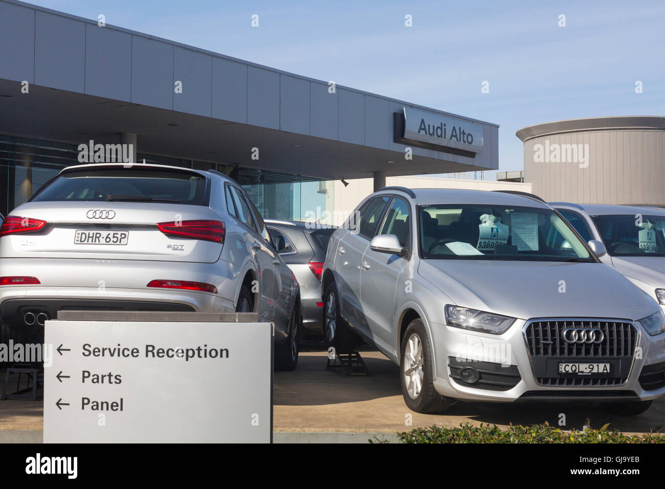 Alto Audi Car Dealership And Service In ChatswoodNorth Stock - Audi car service