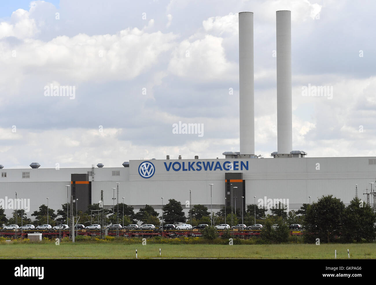 Colored cars zwickau - Stock Photo Zwickau Gerrmany 22nd Aug 2016 Trains With New Cars Stand In Front Of The Volkswagen Factory In Zwickau Gerrmany 22 August 2016
