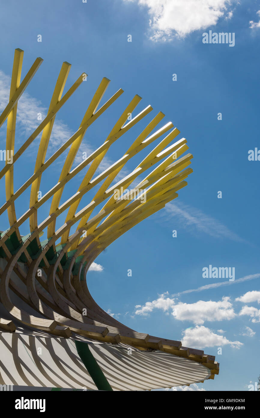 Curved Architecture Wooden Curved Structure Building With Modern Architectural Design