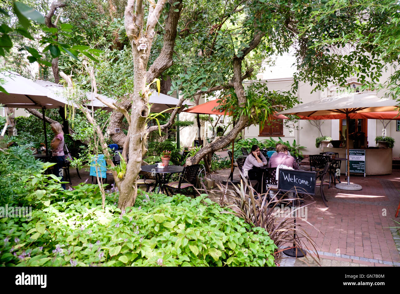 katjiepiering restaurant at stellenbosch university botanical