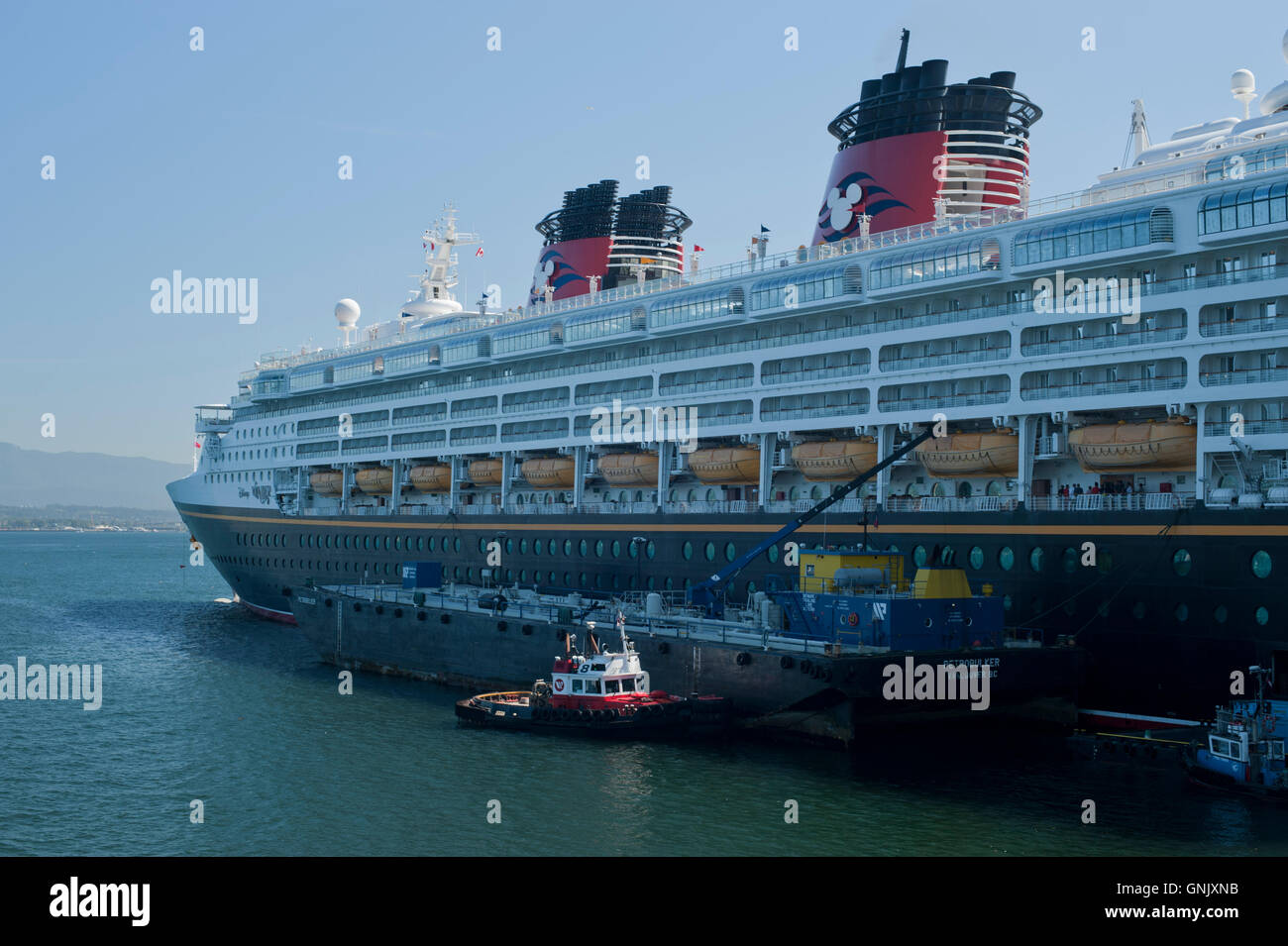 Disney Cruiseship Refuels From Fuel Barge At Coal Harbour - Cruise ship fuel