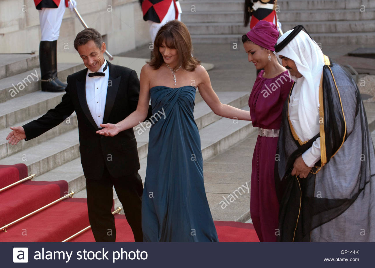 Qatar s emir sheikh hamad bin khalifa al thani r and his wife sheikha mozah
