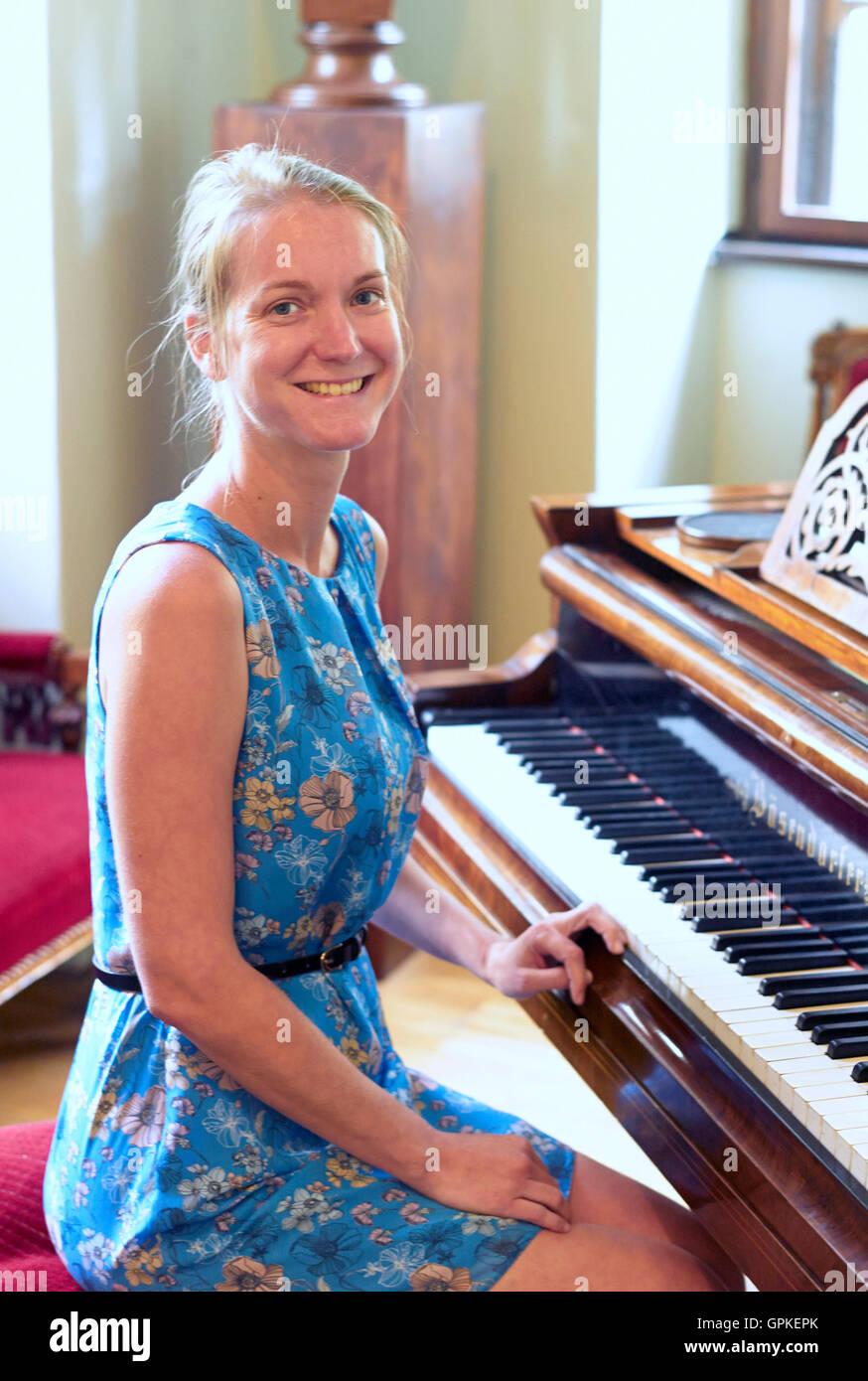 Katerina Nova Photo