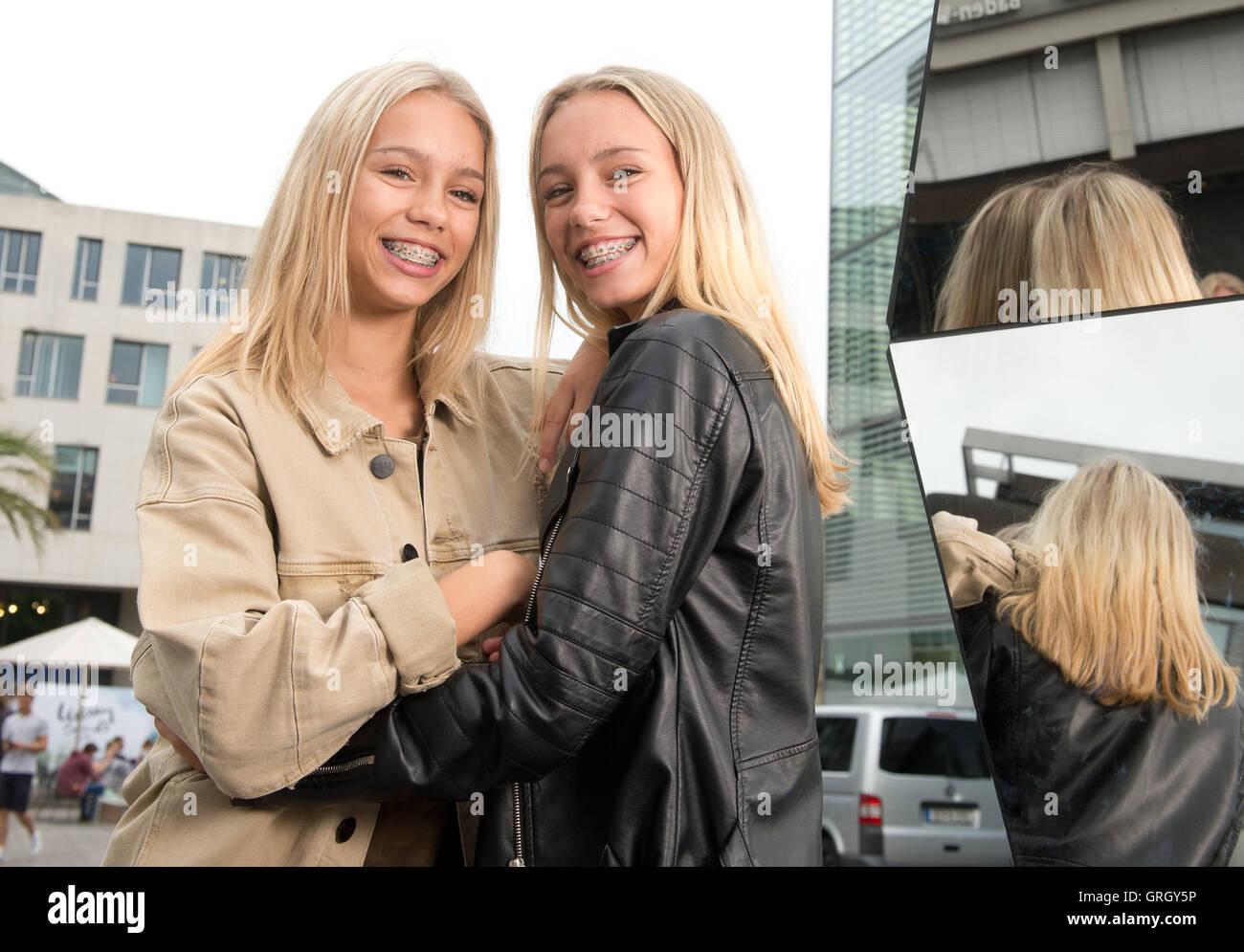 Extrêmement Stuttgart, Germany. 12th July, 2016. The twins Lisa and Lena  AL09