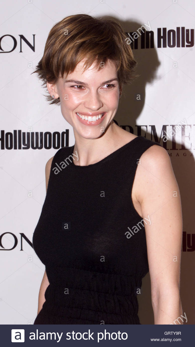 Well Played, Hilary Swank in Peter Pilotto - Go Fug Yourself