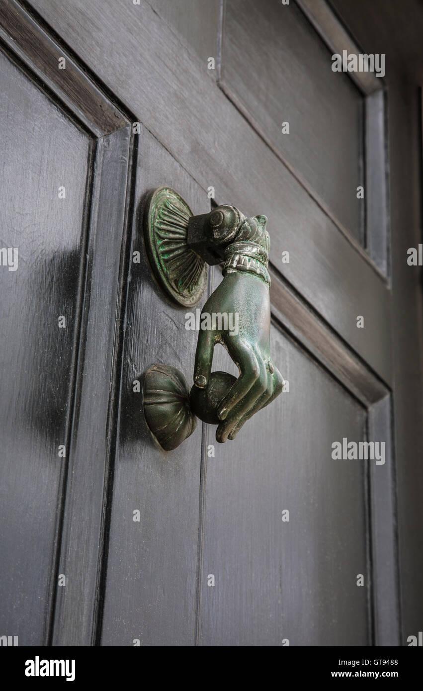 Close Up Victorian Brass Front Door Knocker Hardware Ladies Hand On A Black Front  Door, Door Knockers, Historic Charleston, South Carolina, USA, US