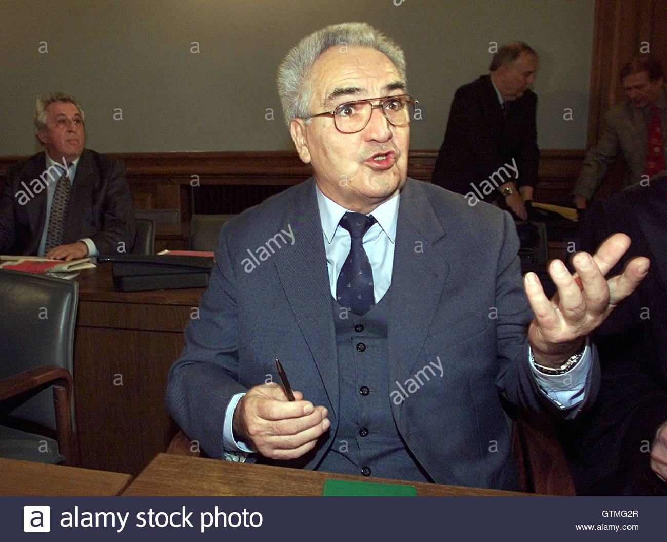 guenter kleiber c a former member of east s communist guenter kleiber c a former member of east s communist leadership answers journalist questions as he and egon krenz l east s last