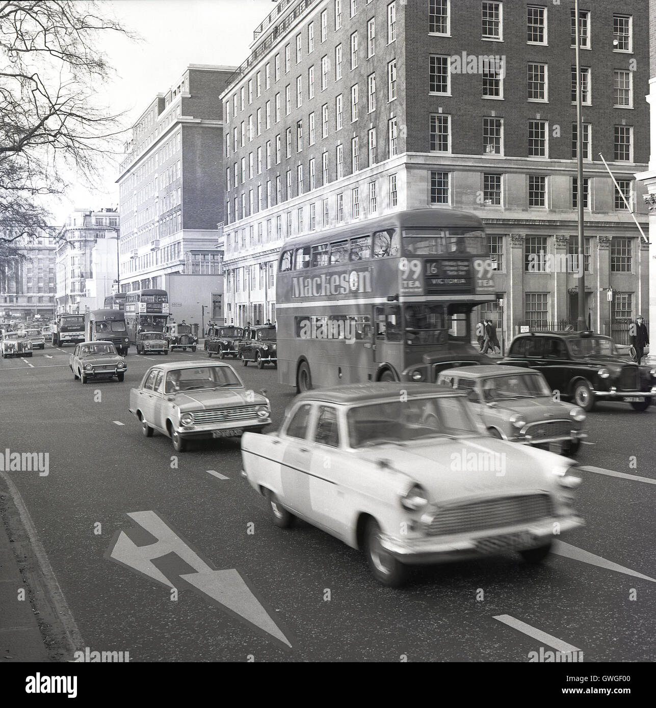 1960s, historical, cars, buses and taxis go down Park Lane, London ...