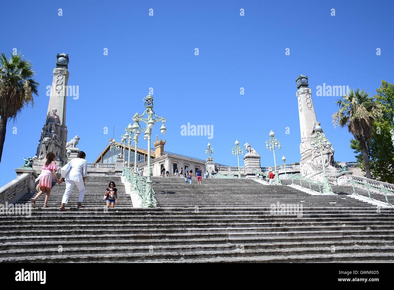 Stairway of saint charles railway station marseille for Bouche du rhone marseille