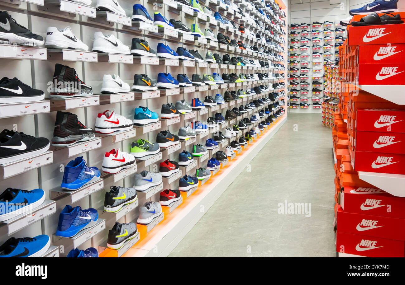 nike footwear display in sports direct store england uk stock photo royalty free image. Black Bedroom Furniture Sets. Home Design Ideas