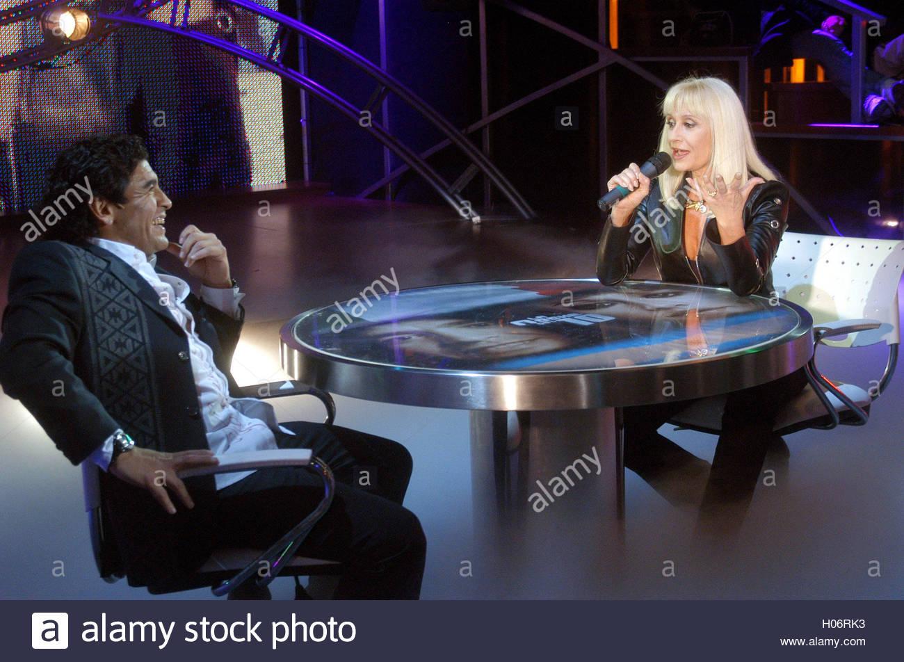former argentine soccer star diego maradona l interviews italian former argentine soccer star diego maradona l interviews italian singer and tv star rafaella