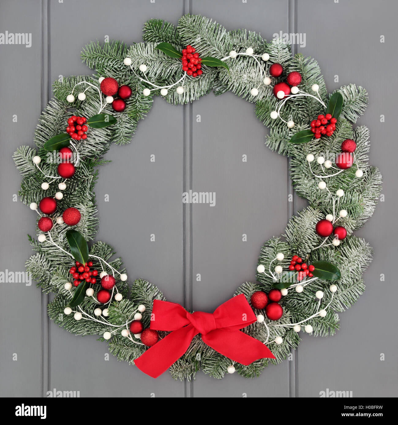 Advent Wreath Decorations Christmas And Advent Wreath Decoration With Red Baubles