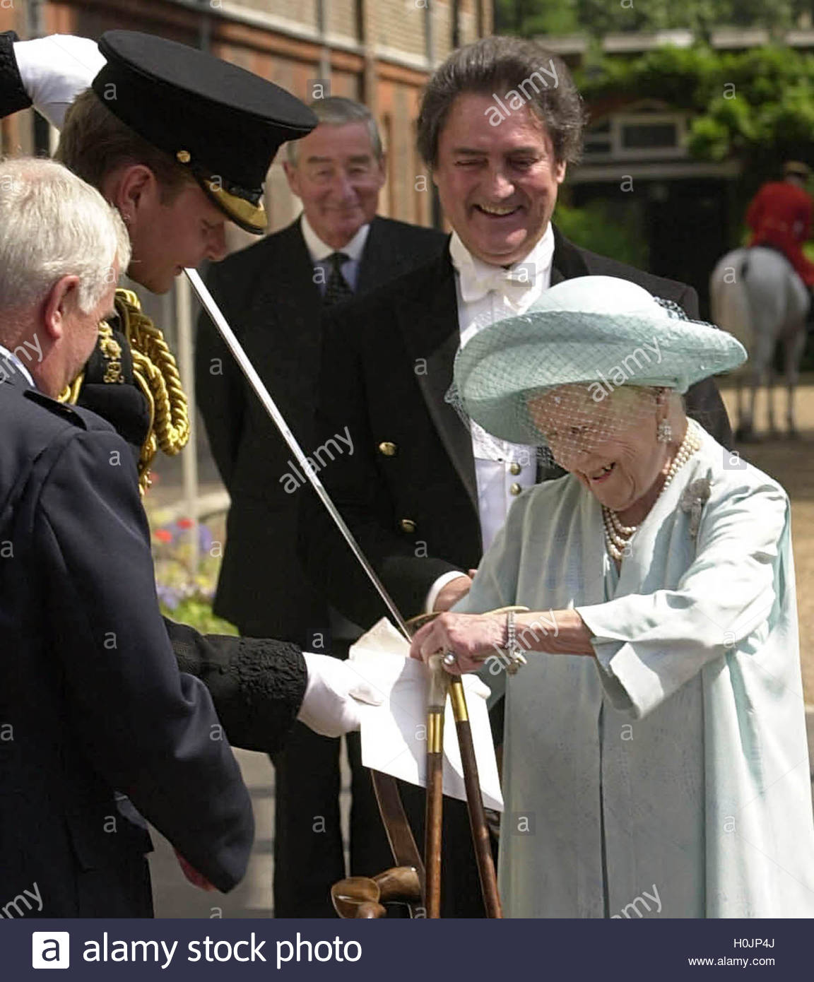 Postman Tony Nicholls l Watches As Equerry Captain William De – 100 Birthday Card from Queen